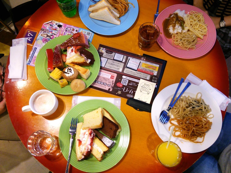 ケーキバイキングによる食事会(1)