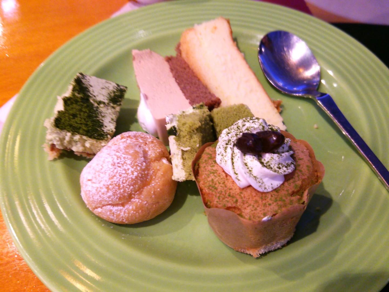 ケーキバイキングによる食事会(8)