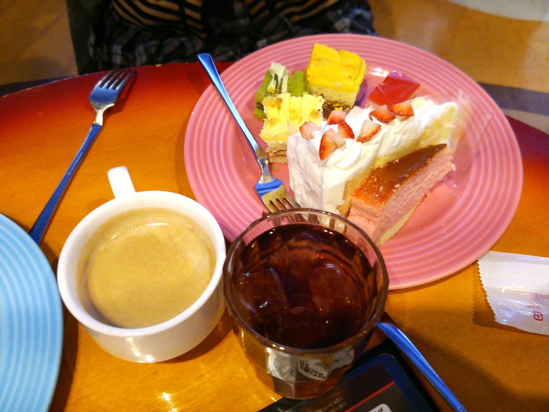 ケーキバイキングによる食事会(11)
